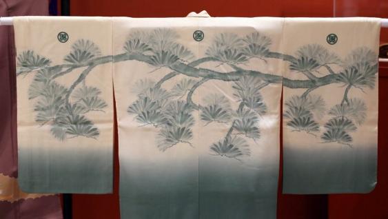 times-colonist-july-2014-hitomi-harama-umesilk-kimono-2