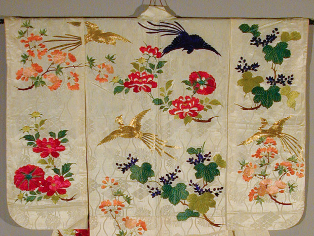 From geisha to diva: The kimonos of Ichimaru exhibition opens in Toronto